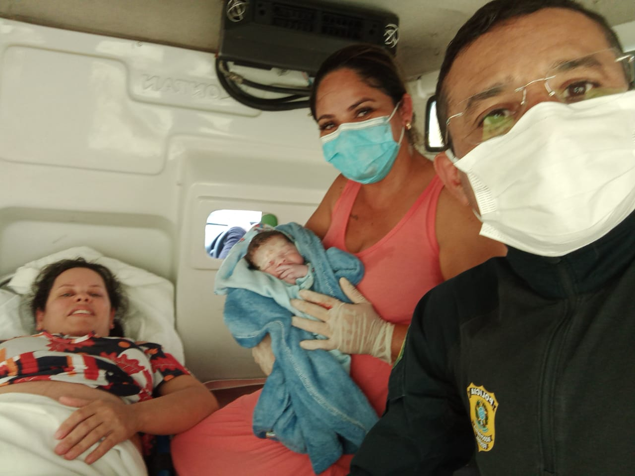 Mulher chega em trabalho de parto em unidade da PRF na Paraíba e é atendida por policial que também é médico