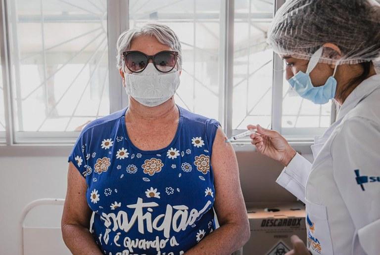 Seis municípios da Paraíba têm menos de 20% da população vacinada com segunda dose; Saúde reforça campanha de imunização