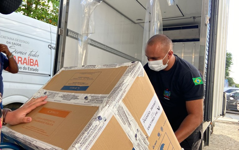 Paraíba distribui mais de 93 mil doses de vacinas contra covid-19 nesta sexta-feira